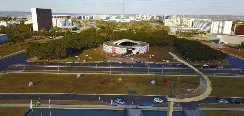 22/07/2017. Crédito: Breno Fortes/CB/D.A. Press. Brasil. Brasília - DF. Foto aérea do Memorial JK e do Museu dos Povos Indígenas.