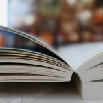 book-2736043_1920